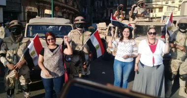 مصريون يحتفلون بذكرى 30 يونيو بالتحرير
