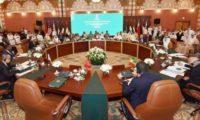 """وزراء إعلام التحالف يبحثون جرائم الحوثي.. و""""دعاية إيران"""""""
