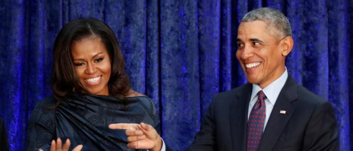 بالفيديو .. أوباما يزور  موطنه الأصلي ويرقص مع جدته
