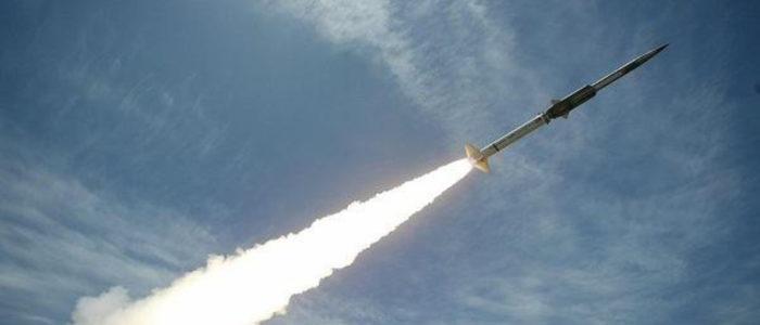 الحوثي يدعي قصف معسكر الحرس الوطني السعودي بصاروخ باليستي