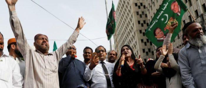 اعتقال نواز شريف بعد عودته لباكستان لمواجهة حكم بالسجن