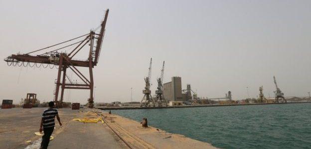 السعودية تعلق صادرات النفط عبر باب المندب