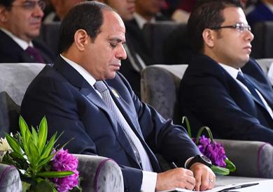 الرئيس السيسي يبدي اعتراضه لتحويل مصر إلي دولة رقمية خلال 6 سنوات