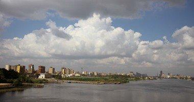 طقس حار اليوم بالقاهرة والرطوبة ترتفع لـ85% والعظمى 37 درجة