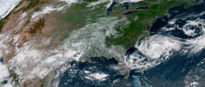 العاصفة كريس تتحول لإعصار الثلاثاء