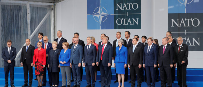 أبرز لقطات قمة الناتو.. ميلانيا تقبّل ترودو، وترمب يصافح أردوغان بحرارة، ورئيسة وزراء كرواتيا تنشغل بفيديو لتشجع فريقها