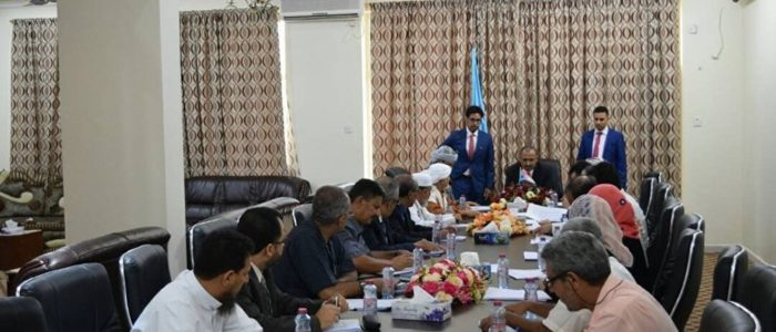 تحالف القبائل يطالب هادي بإقالة الحكومة وتسليم الجنوب للمجلس الانتقالي اليمني