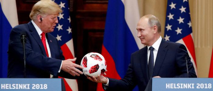 كرة القدم التي أهداها بوتين لترمب تحمل شريحة مراقبة!