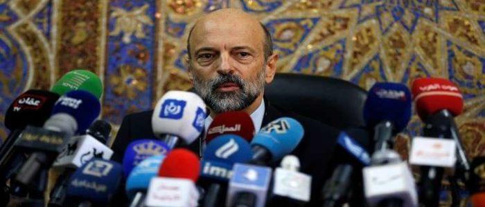 رئيس وزراء الأردن: أخذت الضوء الأخصر من الملك لفتح ملفات الفساد