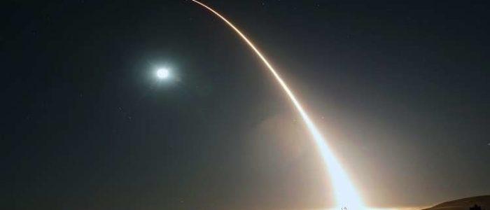 """فشل تجربة صاروخ باليستي أمريكي عابر للقارات بعد إطلاقه من قاعدة """"فاندنبرج"""""""