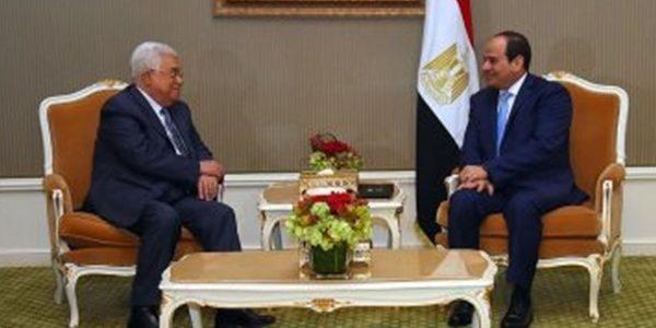 محمود عباس يهنيء السيسي بذكري ثورة 23 يوليو