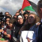 الإفراج عن الفلسطينية عهد التميمي بعد سجنها 8 أشهر إثر صفعها جنديا إسرائيليا في الضفة الغربية