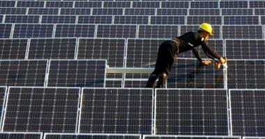 لوس أنجلوس تايمز: محطة بنبان للطاقة الشمسية تضع مصر على خريطة الطاقة النظيفة