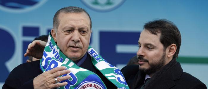 من هو صهر أردوغان الذي تولى وزارة المال في ظروف صعبة؟