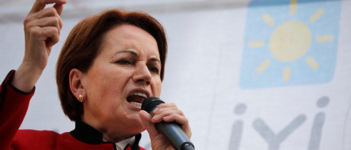 """المرأة الحديدية تستقيل من حزب """"الخير""""  التركي بعد اجتماع طاريء"""