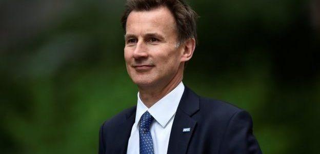 تعرف علي وزير الخارجية البريطاني الجديد جريمي هانت ابن أدميرال