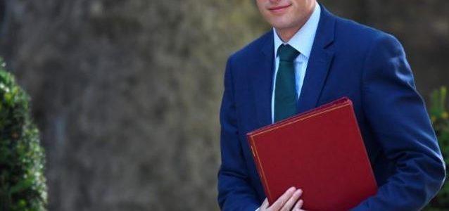 وزير الدفاع البريطاني: هجوم روسي أسفر عن وفاة بريطانية بغاز أعصاب