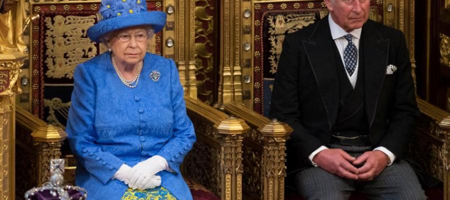 الأمير تشارلز يرتكب نفس الخطأ الذي قام به أبوه الأمير فيليب