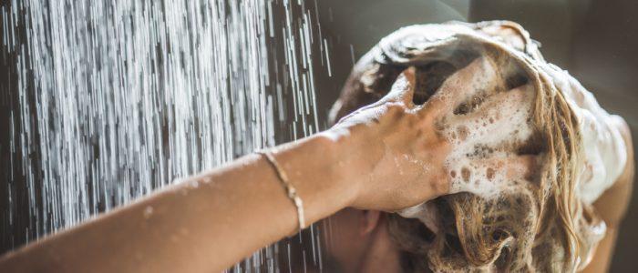 صوّر 219 فيلماً إباحياً باستخدام علبة شامبو مخفية في حمام منتجع سياحي