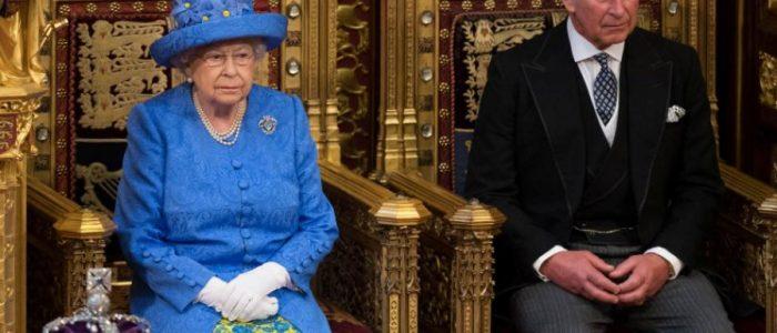 """الأمير تشارلز لن يصبح الملك """"تشارلز"""" قد يتخذ لقباً ملكياً مختلفاً بعد وفاة والدته إليزابيث"""