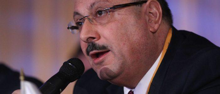 السفير الفلسطيني يحث جيريمي كوربين على عدم الخضوع لقانون معاداة السامية