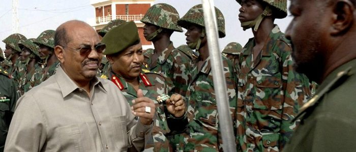 """عرض مالي كبير من دولة """"جارة"""" مقابل """"انقلاب"""" في السودان"""