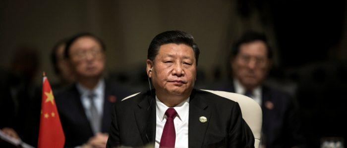 """وزير مالية الصين: بكين تسعى لاستدامة مبادرة """"الحزام والطريق"""" ومواجهة مخاطر الديون"""