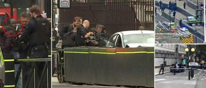 إصابات جراء اصطدام سيارة بحاجز عند مدخل البرلمان البريطاني