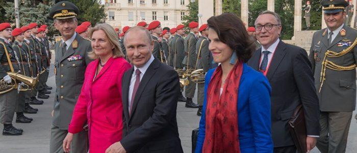 النمسا توضح سبب دعوة بوتين لحضور حفل زفاف وزيرة الخارجية
