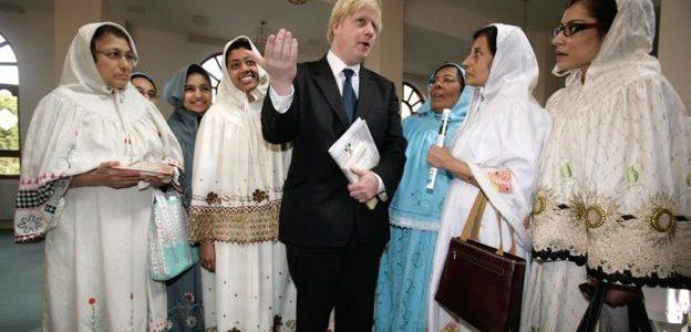 """كارهو المسلمين"""" على صفحة فيسبوك وزير خارجية بريطانيا المستقيل بوريس جونسون"""