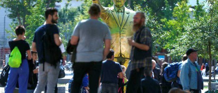 إزالة تمثال ذهبي لأردوغان من مدينة ألمانية