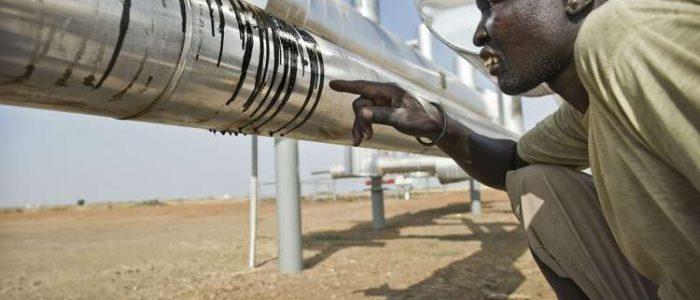 وزير النفط السوداني يعلن استئناف ضخ نفط الجنوب للمرة الأولى منذ توقفه عام 2013
