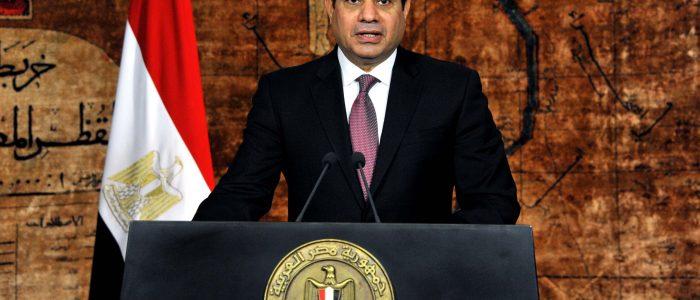 الرئيس السيسى يكلف المحافظين الجدد بضبط الأسعار ومحاربة الفاسدين