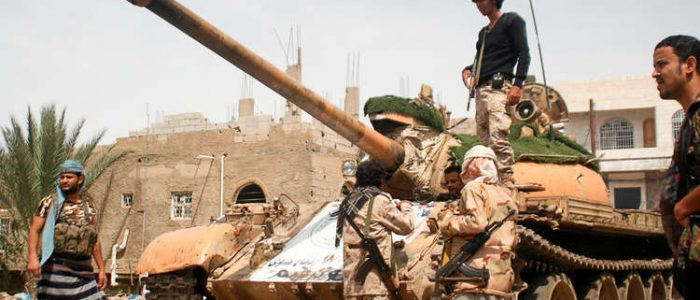 الحوثيون يتعهدون بعدم الاستسلام والمنظمات الإغاثية تدقّ ناقوس الخطر