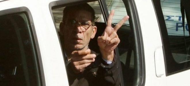 النيابة تحقق مع خاطف الطائرة المصرية بعد ترحيله من قبرص