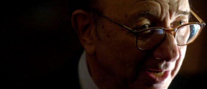 وفاة الكاتب المسرحي نيل سايمون عن 91 عاما