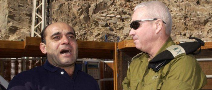 الجاسوس عزام عزام سرّب معلومات للموساد عبر ملابس نسائية وجنّد 11 عاملاً لصالح إسرائيل