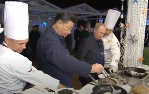 بوتين وبينج يستعرضا مهارتهما في الطهي