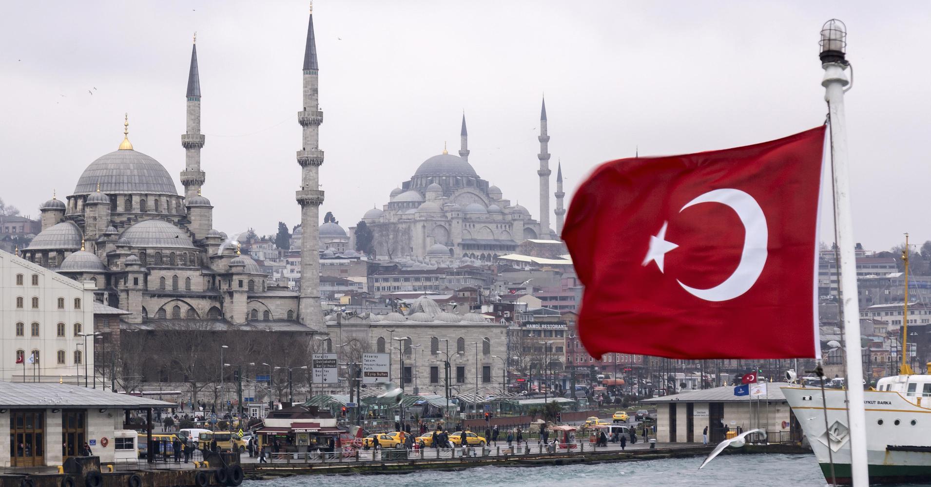 تركيا تكافح من أجل البقاء...استمرار تراجع الليرة التركية أمام الدولار