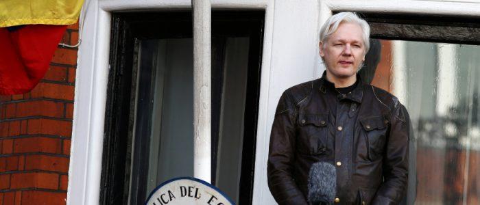 مؤسس ويكليكس كان مقرراً تهريبه في سيارة دبلوماسية بمساعدة الإكوادور ولكن الخطة الروسية فشلت