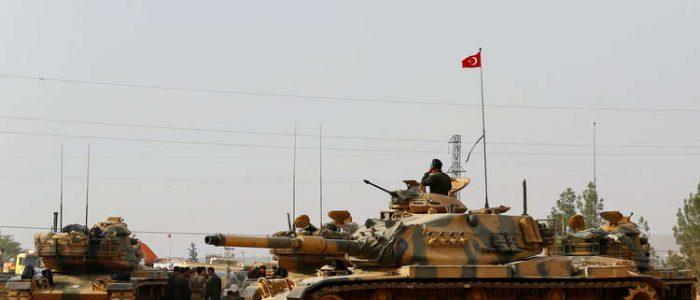 تركيا نشرت 30 ألف عسكري بسوريا وضاعفت عدد دباباتها ومدرعاتها على الحدود