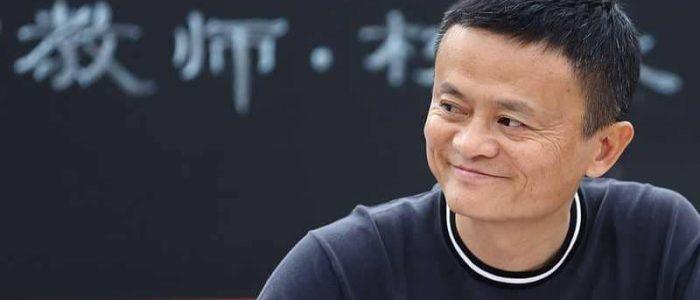 أغنى رجل في الصين يسير على خطى بيل جيتس