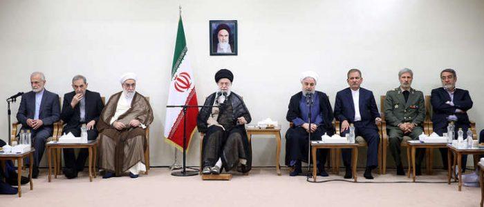 خامنئي يتهم أمريكا وإسرائيل بشن حرب إعلامية لإحباط الإيرانيين