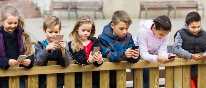 كيف يؤثر هاتفك على جسمك وعقلك؟