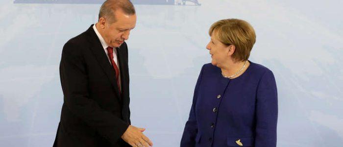 ميركل تتعهد بدعم الاقتصاد التركي