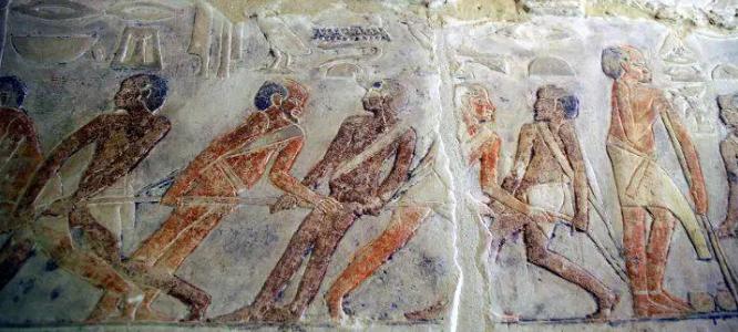موقع كندي: مصر تقنع السياح بأمنها بفتح مقبرة ميحو