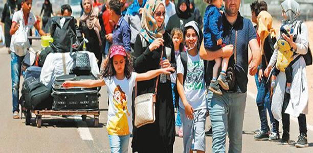 الأتراك يطلقون حملة تطالب السوريين بمغادرة أراضيهم