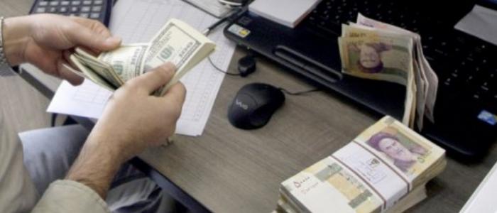 """محلل اقتصادي يكشف لـ """"فردا"""" الرقم الحقيقي لديون إيران للبنوك متوقعًا إفلاسها"""