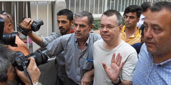 القس برانسون يغادر تركيا إلى ألمانيا قاصدا بلاده