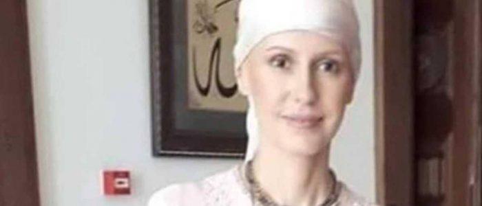 أسماء الأسد بعد خضوعها لجلسات كيماوي تغطي شعرها بالكامل